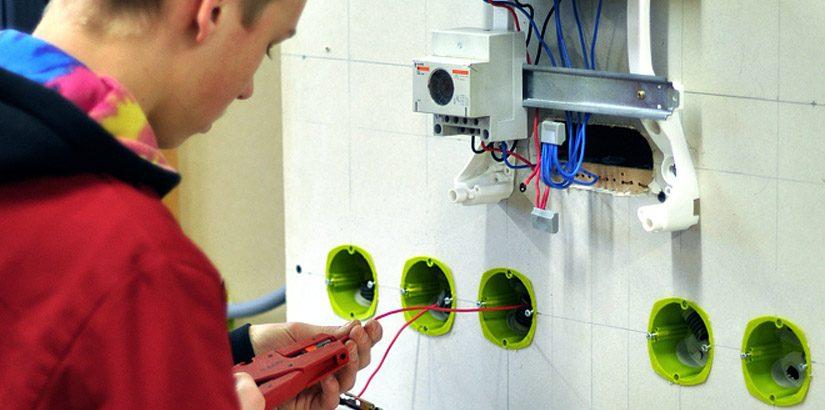 3 diplômes d'électricité en Haute-Savoie